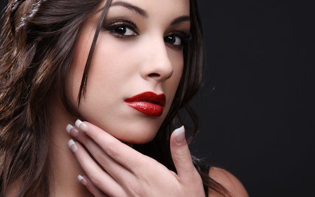 Профессиональная косметика для макияжа лица