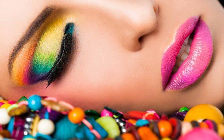 Купить профессиональную косметику для макияжа глаз